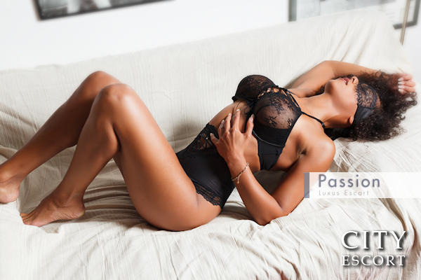 nakene menn escorts in bergen