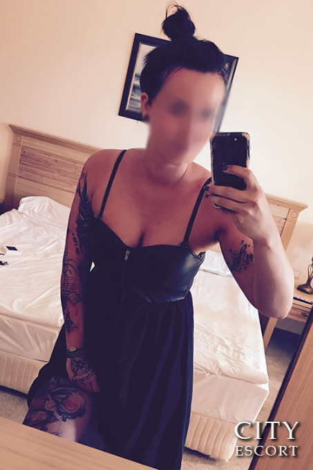 Select Escort - Finja
